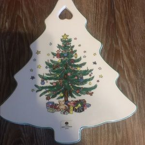 "Christmastime Nikko tree shaped cheese board 10""."